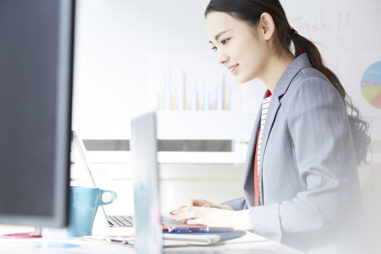 女性-事務職