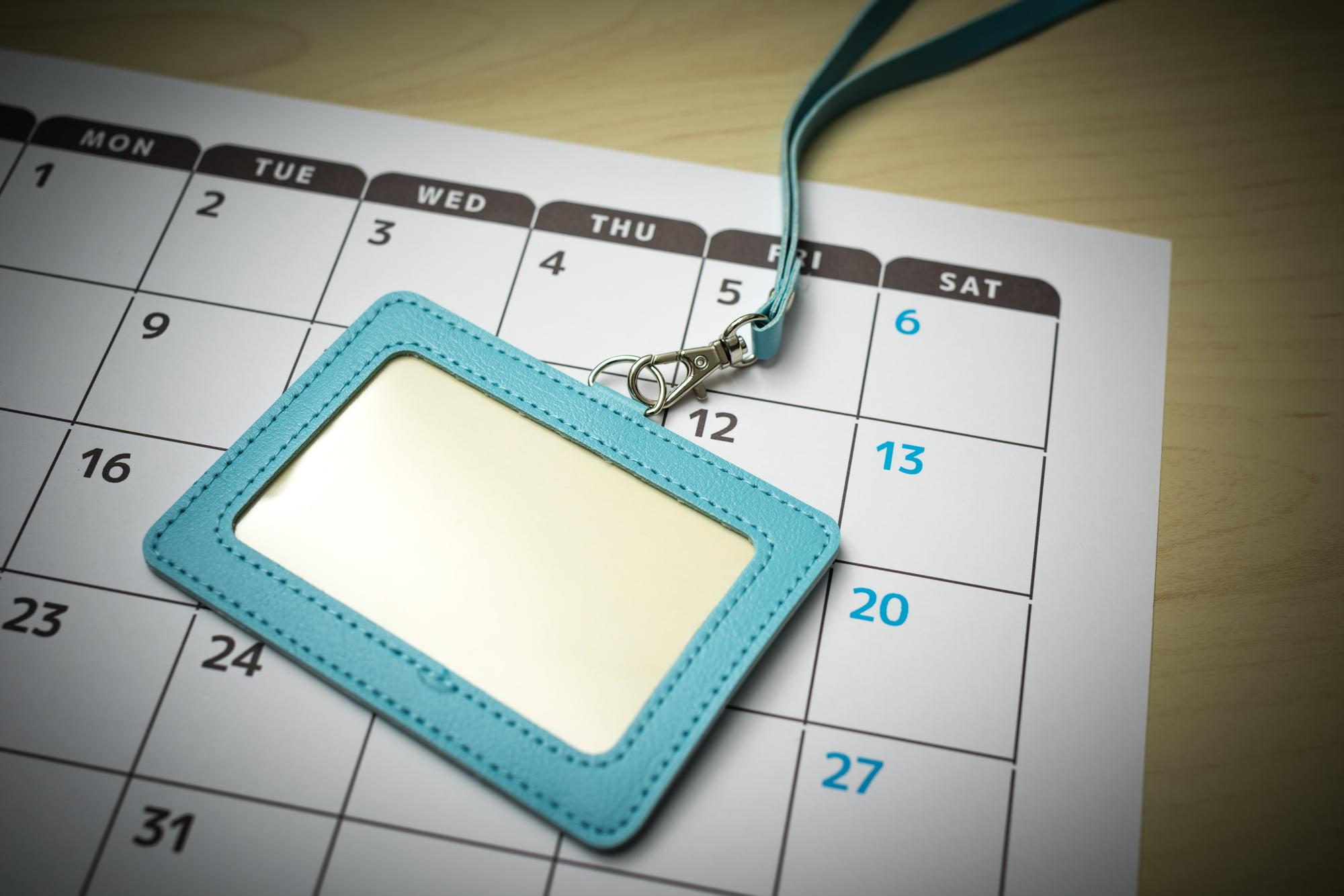 名札とカレンダー