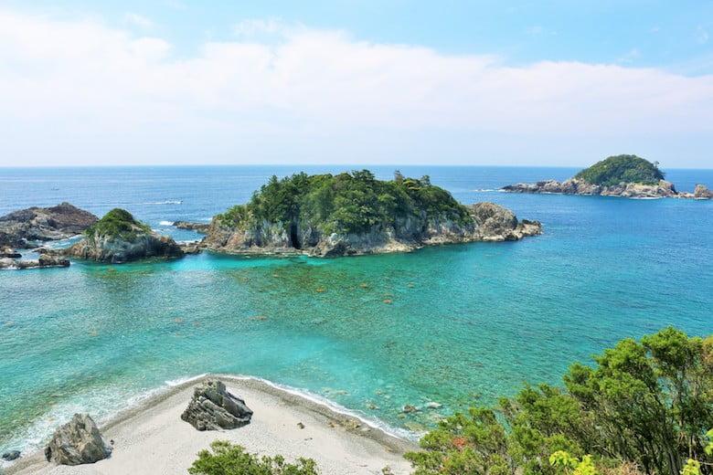 和歌山県の夫婦岩