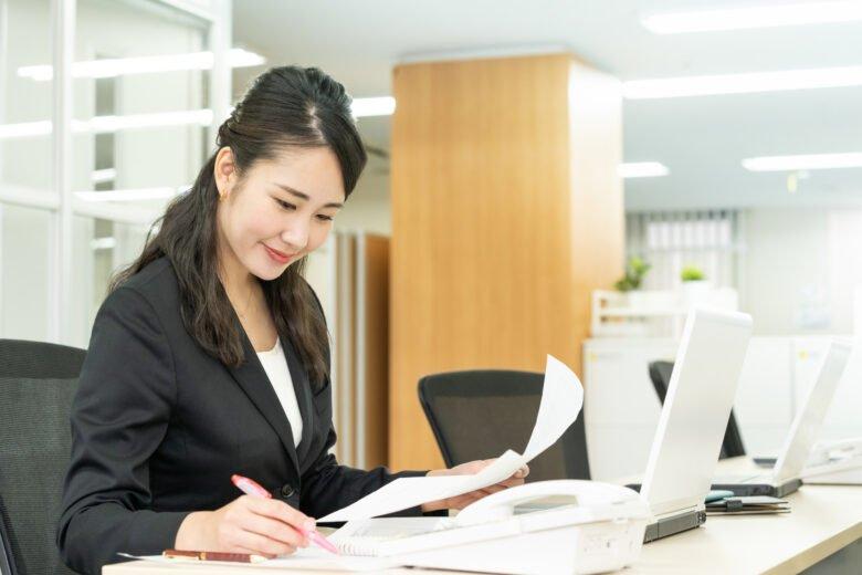 総合人材-事務職の女性