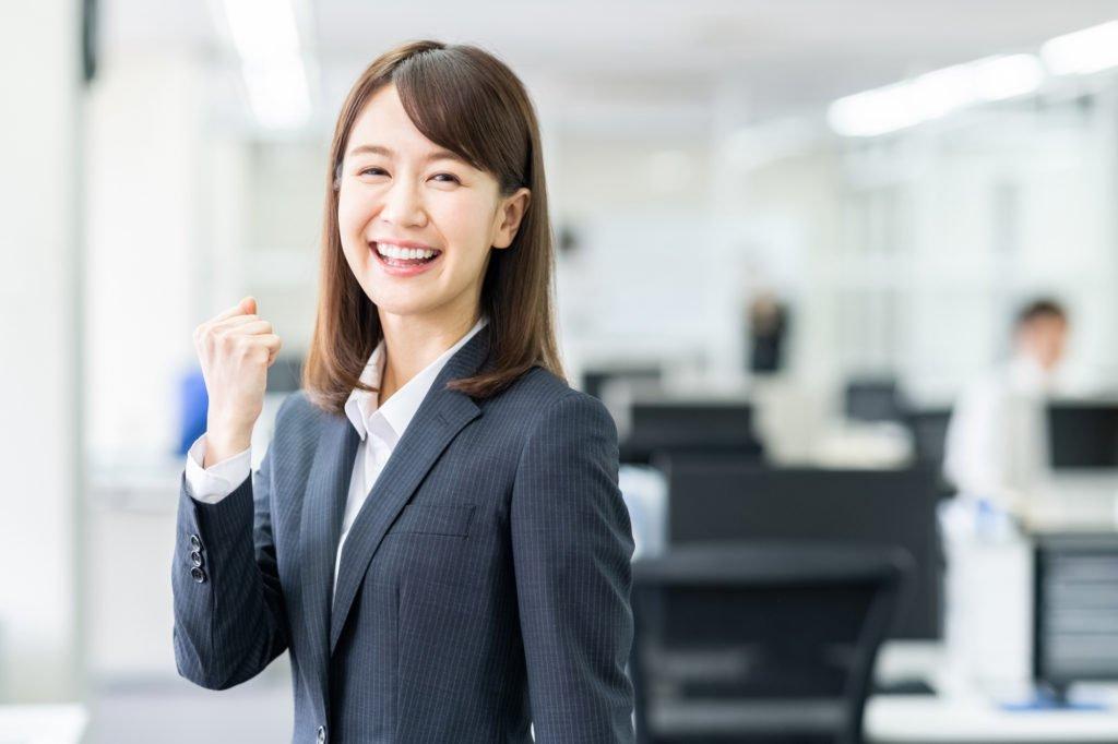 派遣-喜ぶ女性